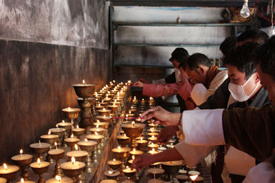 Offering butterlamps